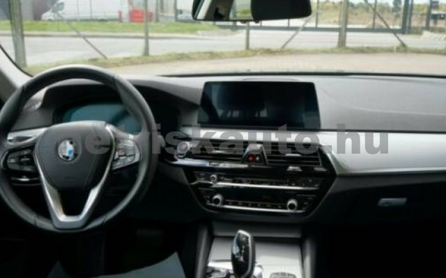 530 személygépkocsi - 2993cm3 Diesel 105139 6/12