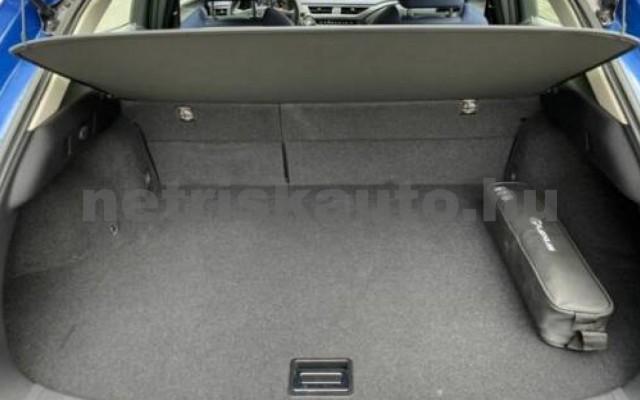 UX személygépkocsi - 1987cm3 Benzin 105644 11/11