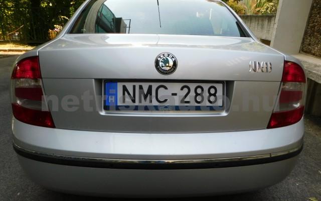 SKODA Superb 2.0 Comfort személygépkocsi - 1984cm3 Benzin 98277 12/12