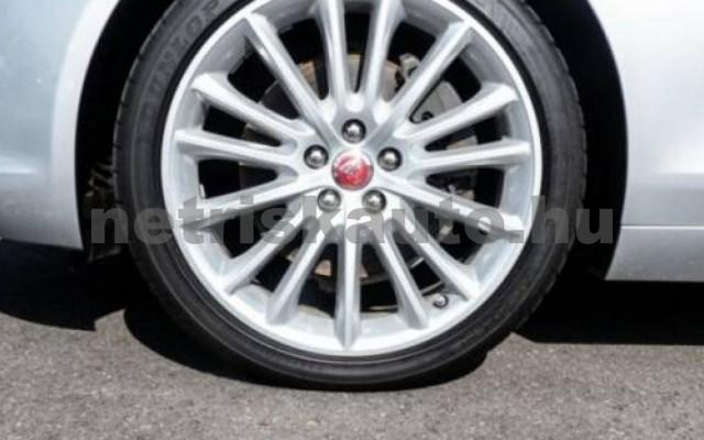 XE személygépkocsi - 1999cm3 Diesel 105456 5/12
