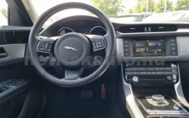XF személygépkocsi - 1999cm3 Diesel 105450 9/10
