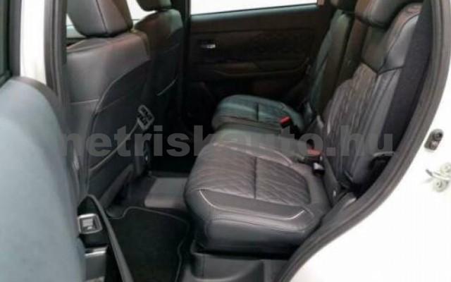 Outlander személygépkocsi - 2360cm3 Hybrid 105710 5/10