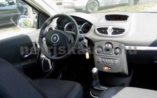 RENAULT Clio 1.6 16V Privilege személygépkocsi - 1598cm3 Benzin 44655 6/12