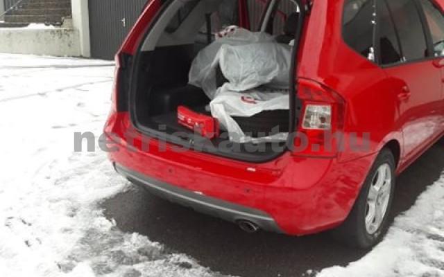 KIA Carens Kia Carens 2.0 automatik spirit személygépkocsi - 1998cm3 Benzin 19723 4/12