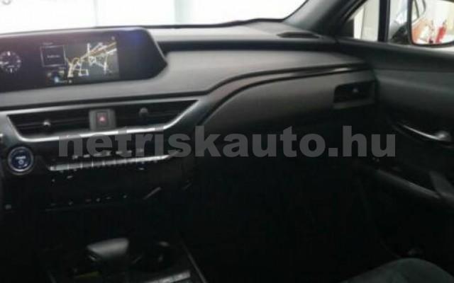 UX személygépkocsi - 1987cm3 Hybrid 105645 9/12