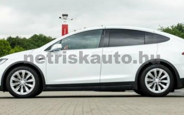 Model X személygépkocsi - cm3 Kizárólag elektromos 106233 4/12