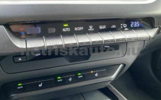UX személygépkocsi - 1987cm3 Benzin 105644 7/11