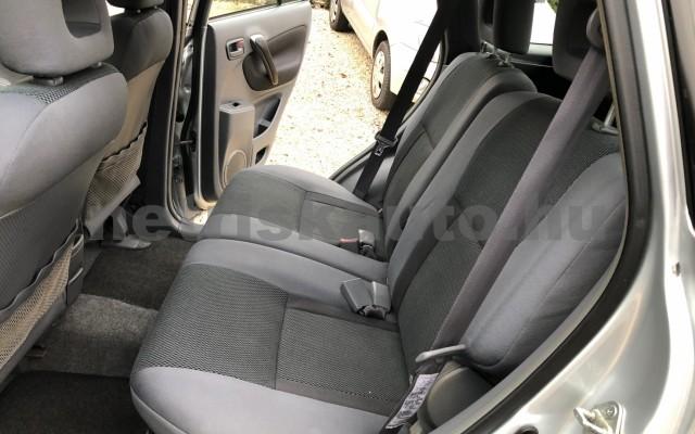 TOYOTA Rav4 2.0 D-4D 4x4 személygépkocsi - 1995cm3 Diesel 74287 12/12