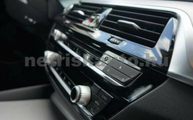 530 személygépkocsi - 2993cm3 Diesel 105139 11/12