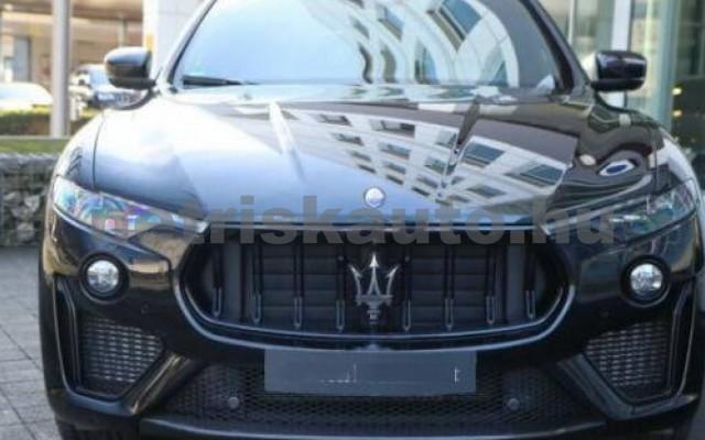 Levante személygépkocsi - 3799cm3 Benzin 105683 2/12