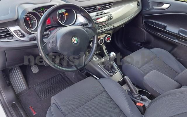 ALFA ROMEO Giulietta 1.6 JTDM-2 Distinctive személygépkocsi - 1598cm3 Diesel 76868 11/29