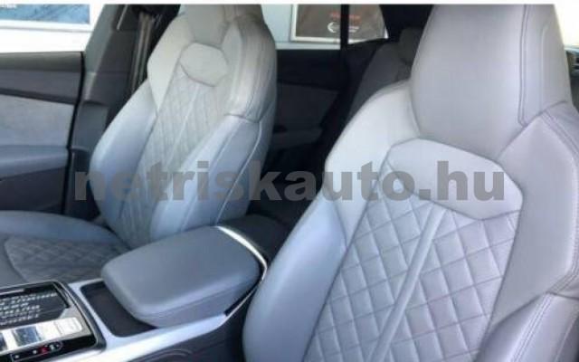 AUDI SQ8 személygépkocsi - 3956cm3 Diesel 109654 10/11