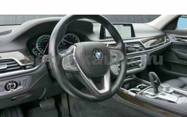 BMW 740 személygépkocsi - 2998cm3 Benzin 110015 7/12
