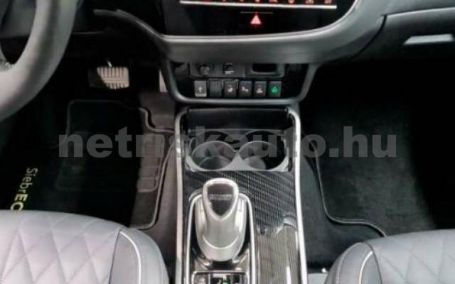 Outlander személygépkocsi - 2360cm3 Hybrid 105710 8/10