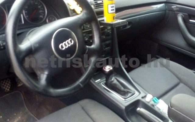 AUDI A4 2.5 V6 TDI személygépkocsi - 2496cm3 Diesel 44672 6/12