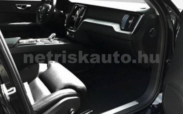 V60 személygépkocsi - 1969cm3 Hybrid 106402 8/10
