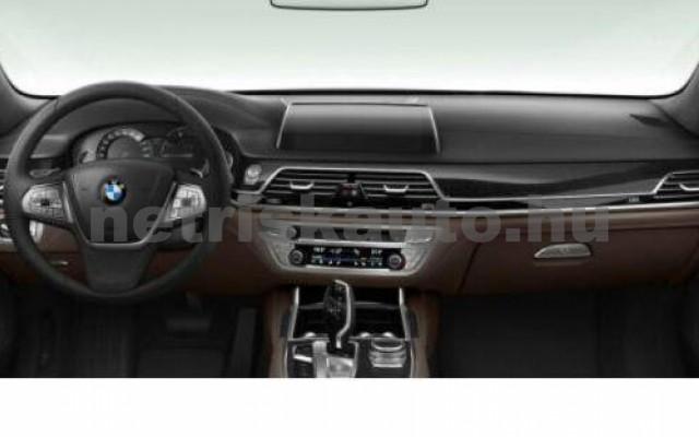 BMW 730 személygépkocsi - 2993cm3 Diesel 109987 3/3