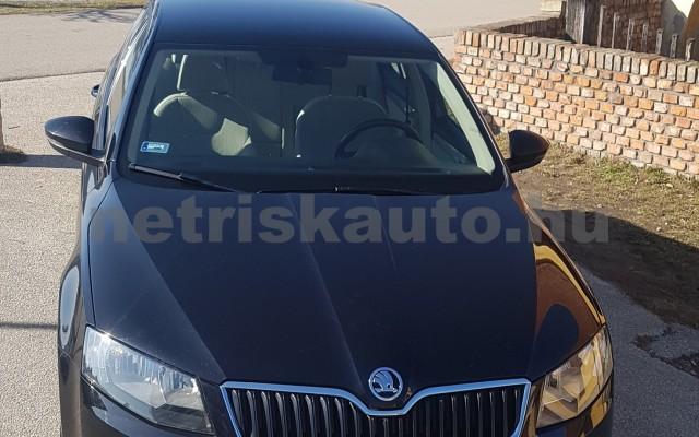 SKODA Octavia személygépkocsi - 1598cm3 Diesel 74304 10/12