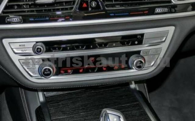 740 személygépkocsi - 2993cm3 Diesel 105192 10/12