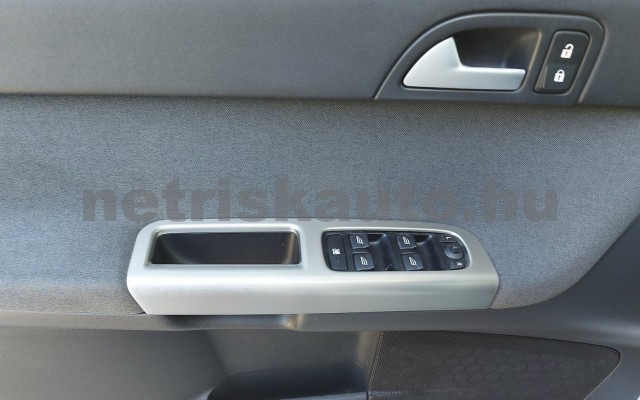 VOLVO S40 2.0 Momentum személygépkocsi - 1999cm3 Benzin 52507 8/28