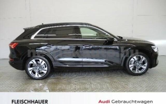 AUDI e-tron személygépkocsi - 2000cm3 Kizárólag elektromos 42572 3/7