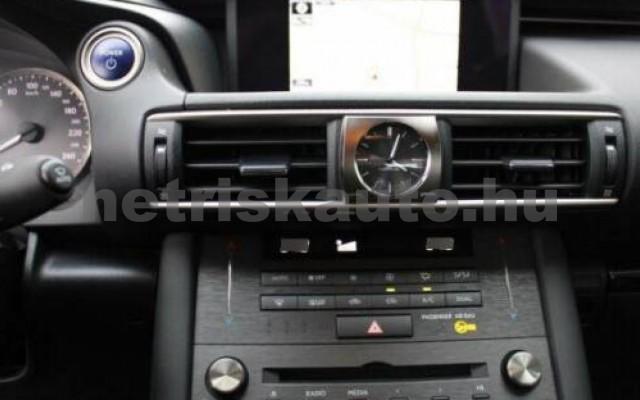 IS 300 személygépkocsi - 2494cm3 Hybrid 105607 12/12