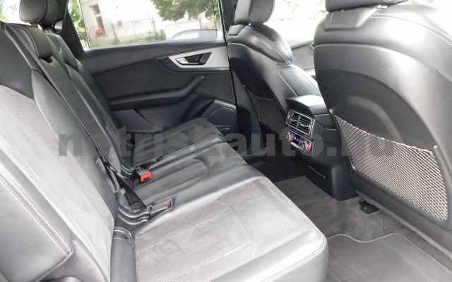 AUDI Q7 3.0 V6 TDI quattro tiptronic személygépkocsi - 2967cm3 Diesel 44854 11/12