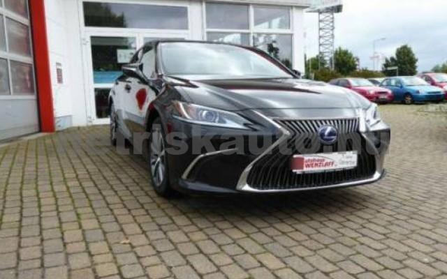 ES 300 személygépkocsi - 2487cm3 Hybrid 105613 2/12