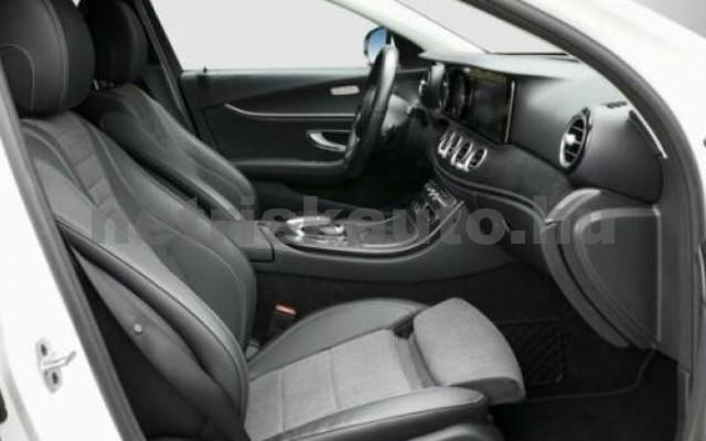 E 400 személygépkocsi - 2925cm3 Diesel 105870 2/8