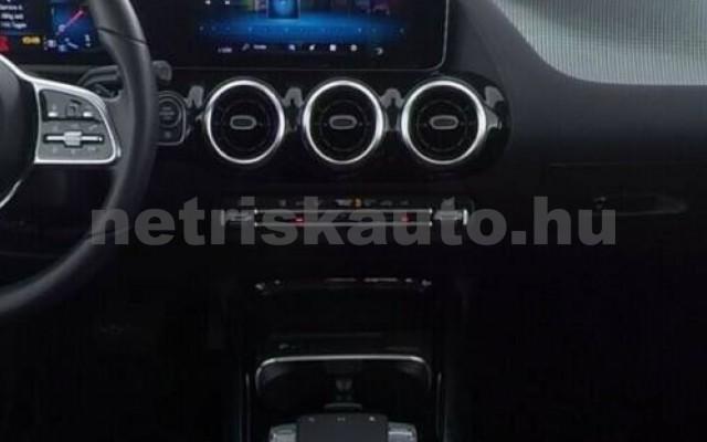 B 220 személygépkocsi - 1991cm3 Benzin 105740 4/10