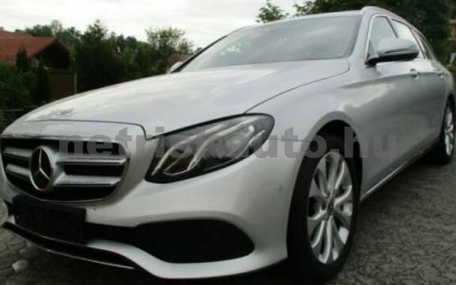 E 400 személygépkocsi - 3498cm3 Benzin 105845 10/12