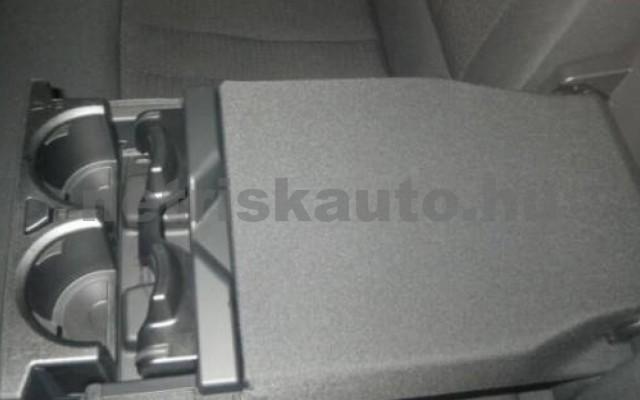 530 személygépkocsi - 1998cm3 Hybrid 105109 11/12