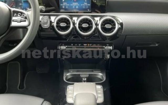 A 220 személygépkocsi - 1991cm3 Benzin 105720 12/12