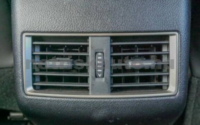 LEXUS NX 300 személygépkocsi - 2494cm3 Hybrid 110681 5/6