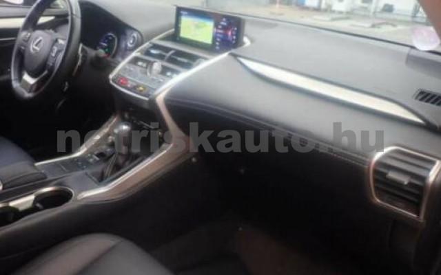 LEXUS NX 300 személygépkocsi - 2494cm3 Hybrid 110672 2/3