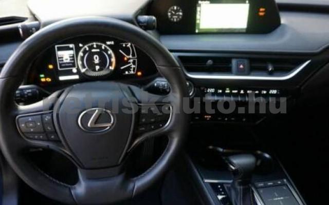 UX személygépkocsi - 1987cm3 Benzin 105639 3/12