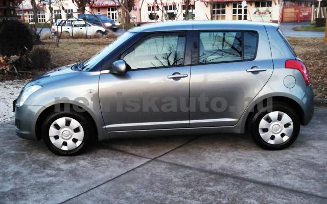 SUZUKI Swift 1.3 GLX CD AC személygépkocsi - 1328cm3 Benzin 27702 2/11