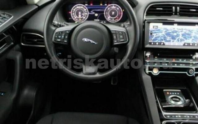 JAGUAR F-Pace személygépkocsi - 1999cm3 Diesel 110452 8/10