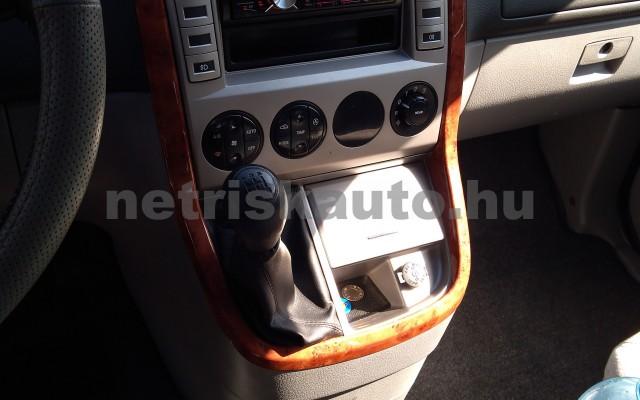 KIA Carnival 2.9 CRDi Komfort (7 sz.) személygépkocsi - 2903cm3 Diesel 25856 6/12