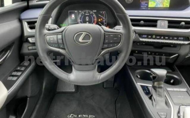 UX személygépkocsi - 1987cm3 Benzin 105644 5/11