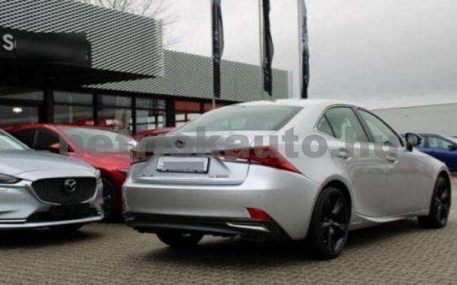 IS 300 személygépkocsi - 2494cm3 Hybrid 105607 3/12
