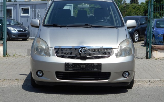 TOYOTA Corolla Verso/Verso 1.8 Linea Sol személygépkocsi - 1794cm3 Benzin 18335 2/8