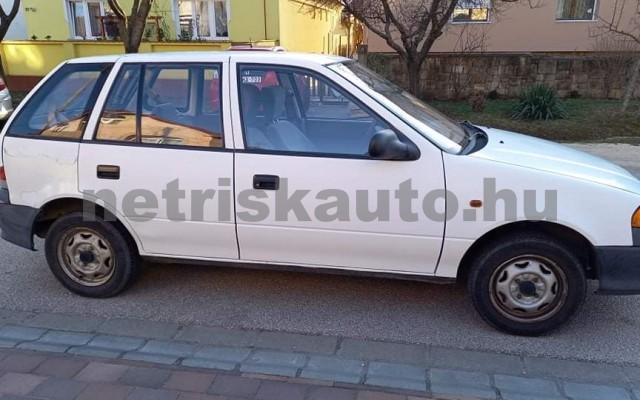 SUZUKI Swift 1.0 GL személygépkocsi - 993cm3 Benzin 81263 2/6