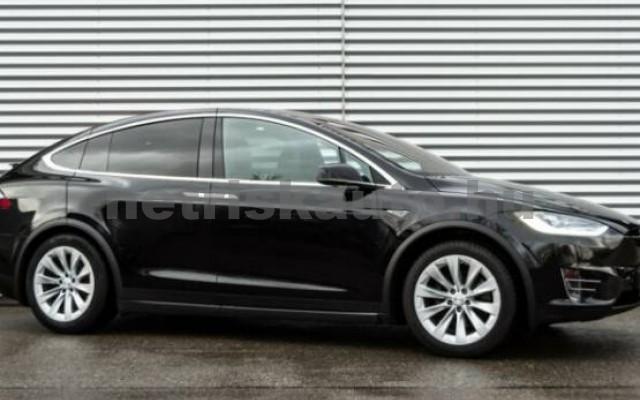TESLA Model X személygépkocsi - 2000cm3 Kizárólag elektromos 39861 2/7