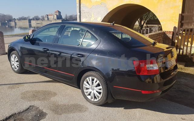 SKODA Octavia személygépkocsi - 1598cm3 Diesel 74304 11/12