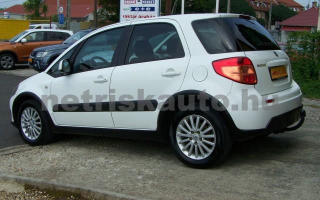 SUZUKI SX4 1.5 GS személygépkocsi - 1490cm3 Benzin 44771 3/12