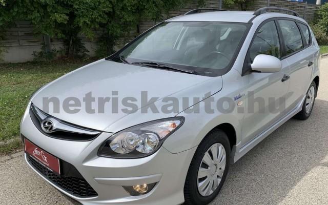 HYUNDAI i30 CW személygépkocsi - 1396cm3 Benzin 106520 2/35