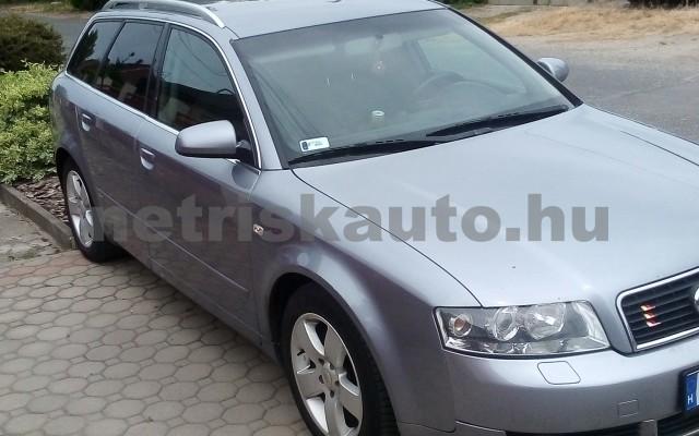 AUDI A4 2.5 V6 TDI személygépkocsi - 2496cm3 Diesel 44672 2/12