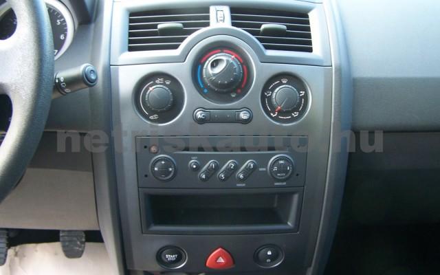 RENAULT Mégane 1.4 Azure személygépkocsi - 1390cm3 Benzin 93264 11/12