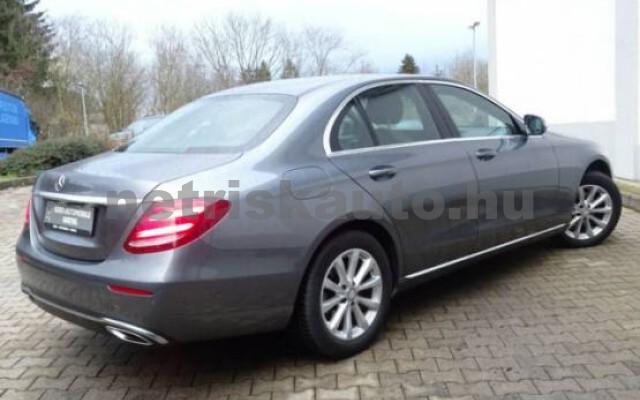 MERCEDES-BENZ E 200 személygépkocsi - 1991cm3 Benzin 43718 5/7